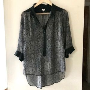 Aritzia Wilfred snakeskin-print blouse - Size S